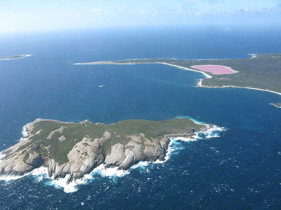 Best time to see Lake Hillier in Western Australia