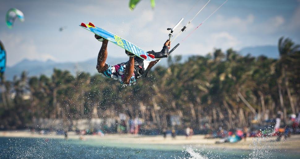 Kitesurfing on Boracay in Philippines - Best Time