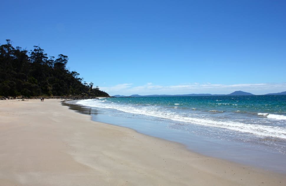 Beach Season in Tasmania - Best Season
