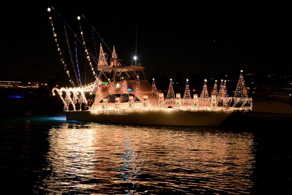 Newport Beach Christmas Boat Parade in California - Best Season