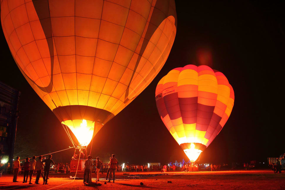 Hot Air Ballooning in India - Best Season