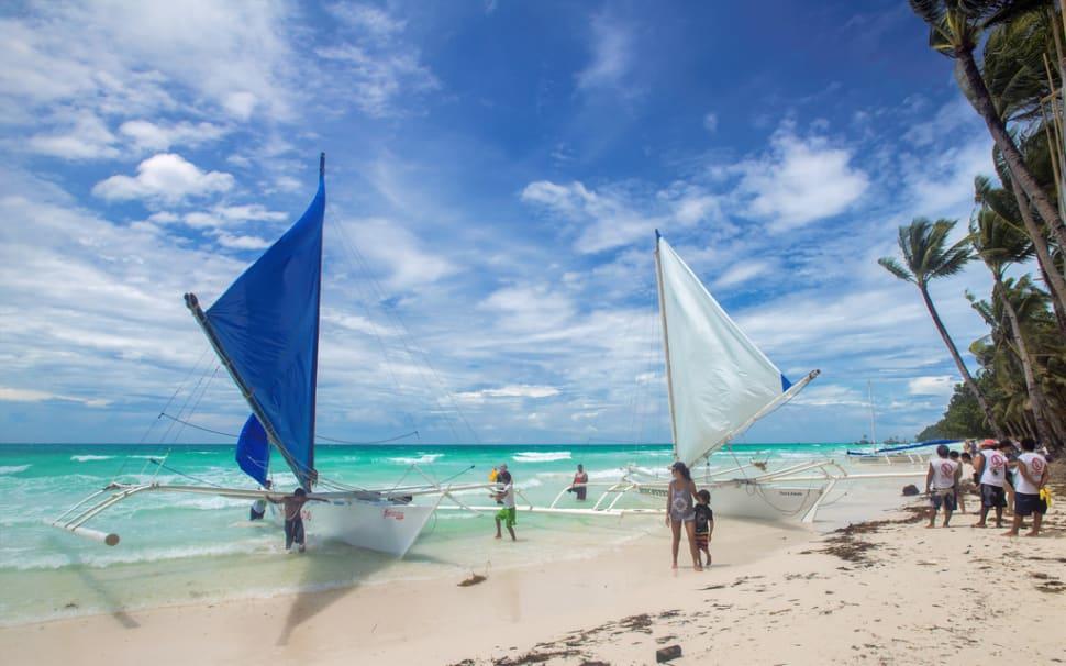 Beach Season in Philippines - Best Season