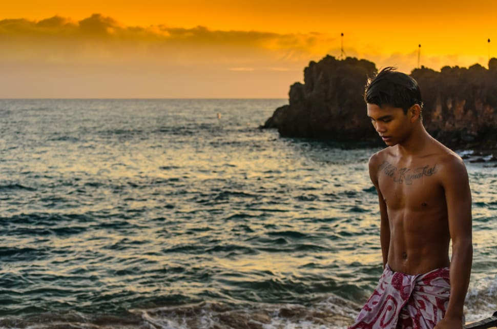 Best time to see Torch Lighting and Cliff Diving in Hawaii