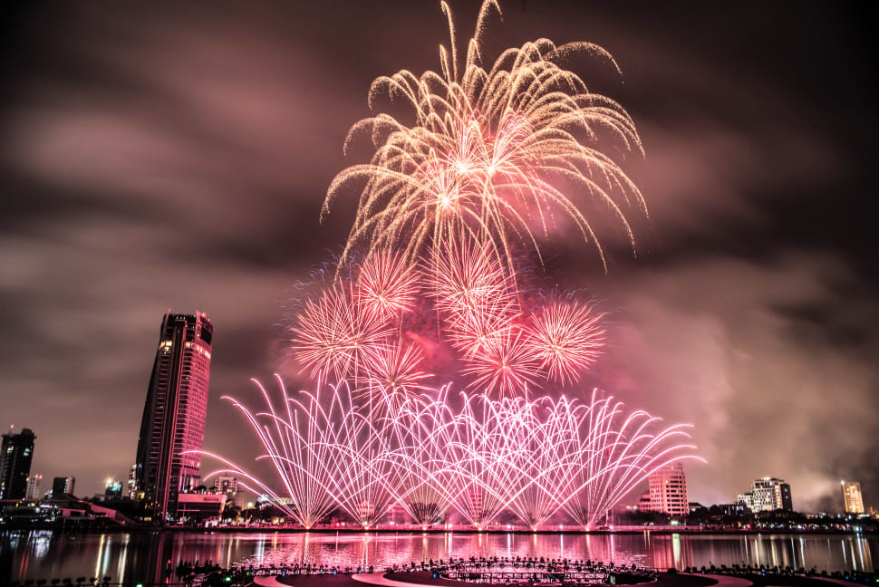 Best time for Danang International Fireworks Competition in Vietnam