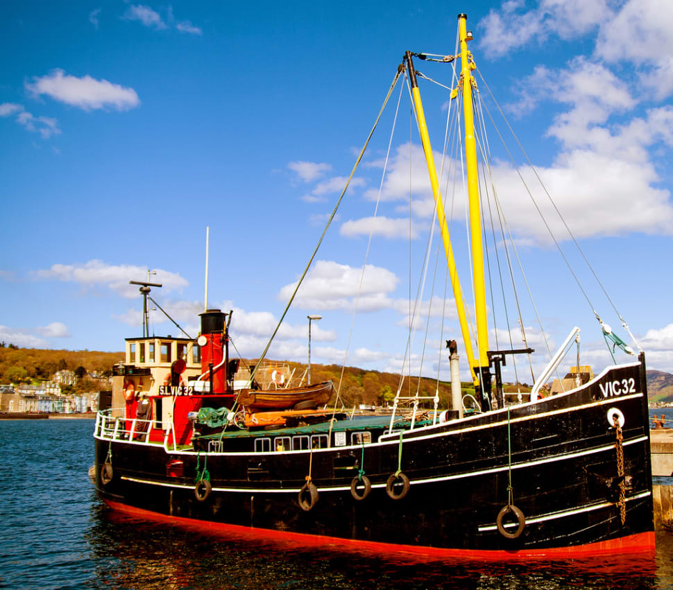 Cruising on a Vintage Steam Boat in Scotland - Best Season