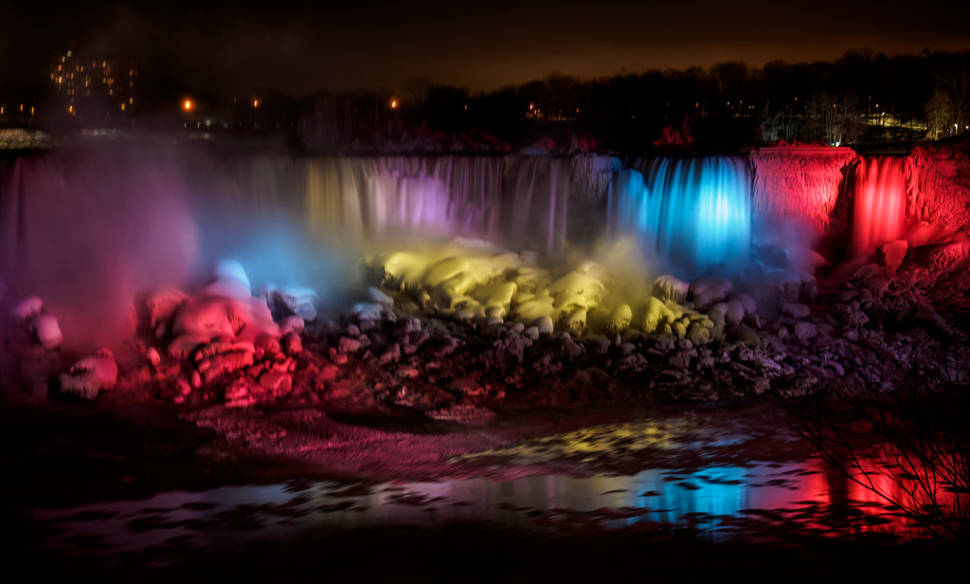 Winter Festival of Lights in Niagara Falls - Best Time