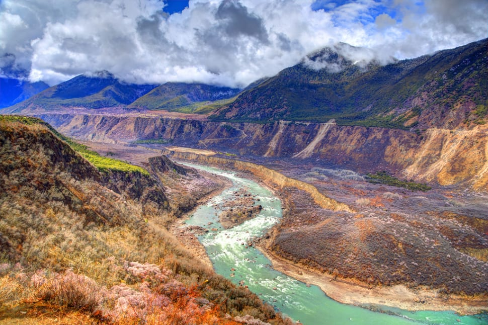 Yarlung Tsangpo Canyon in Tibet - Best Season