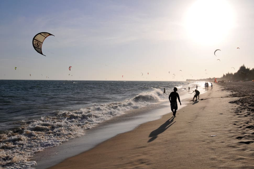 Kitesurfers in Mui Ne