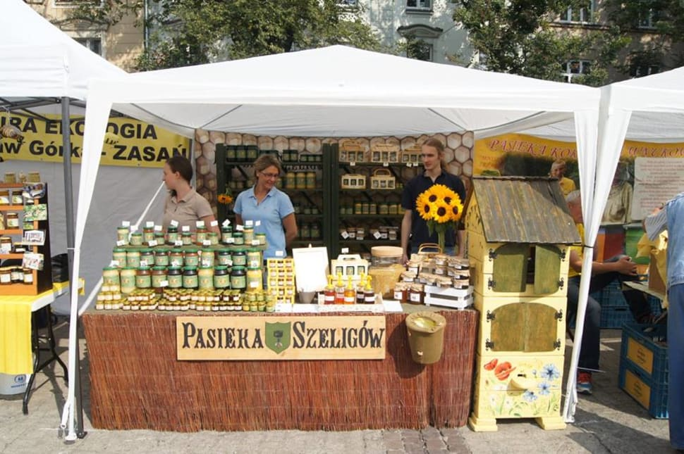 Krakow Honey Harvest – Bee-Keepers Festival in Krakow - Best Season
