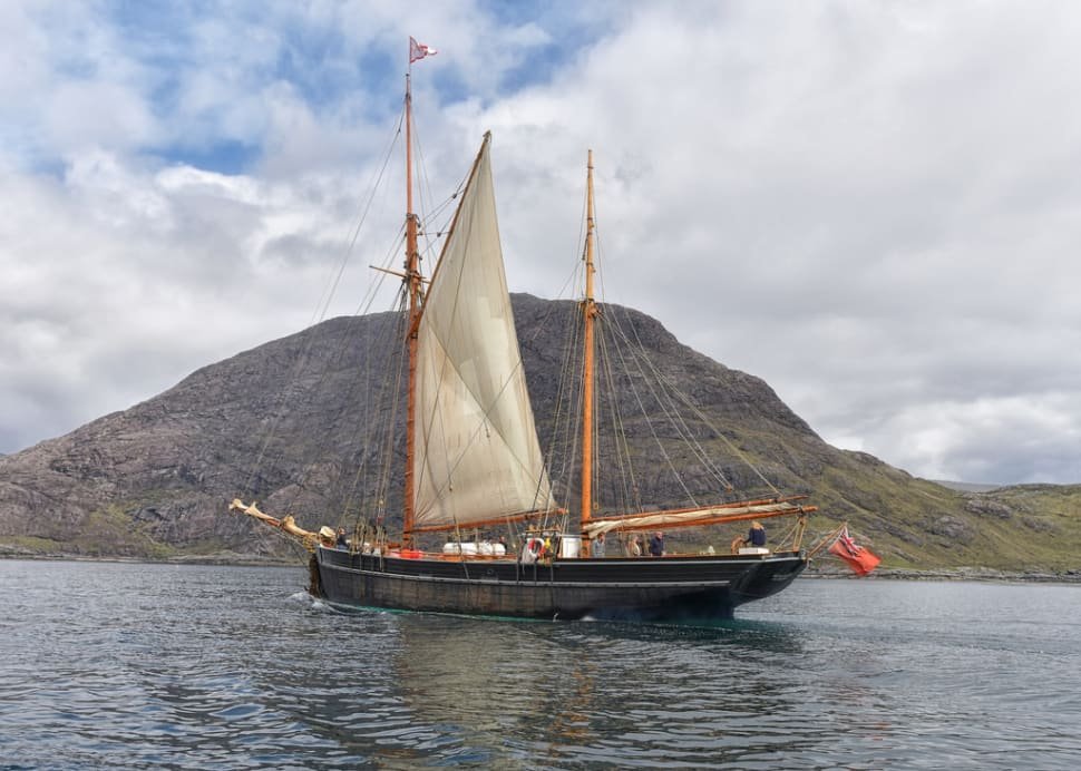 Sailing around the Small Isles in Scotland - Best Time