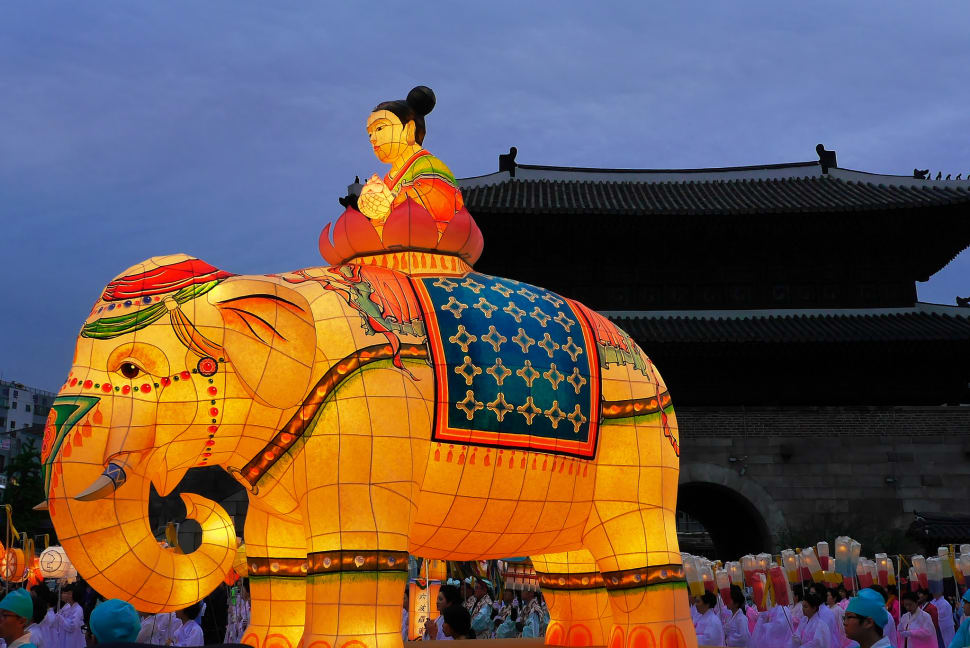 Best time for Lotus Lantern Festival (Yeon Deung Hoe) in Seoul