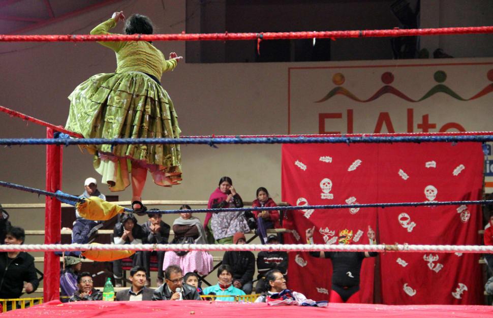 Best time for Cholita Wrestling in Bolivia