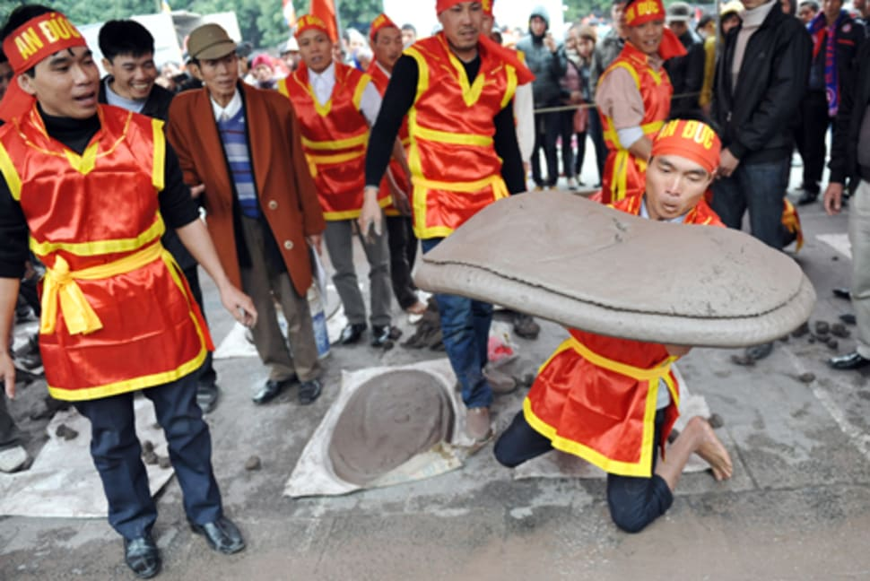 Clay Firecracker Festival in Vietnam - Best Time