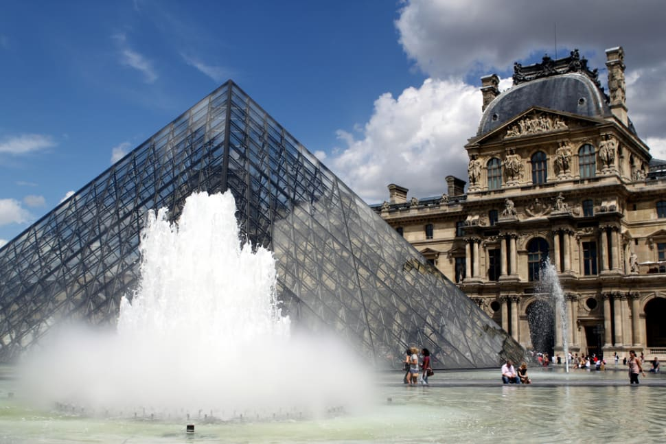 Louvre with Shorter Queues in Paris - Best Time