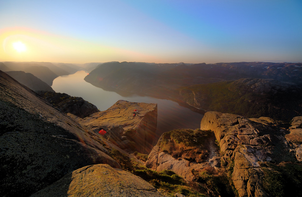 Things to do in Norway : Hike to Preikestolen (Pulpit Rock)
