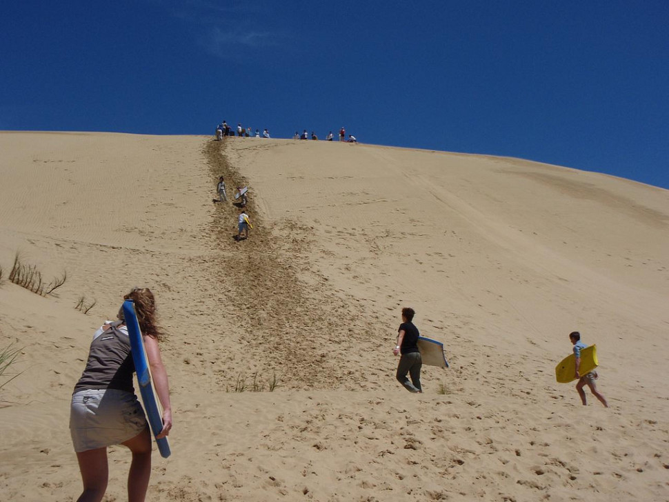Things to do in New Zealand : Body Board Down the Sand Dunes