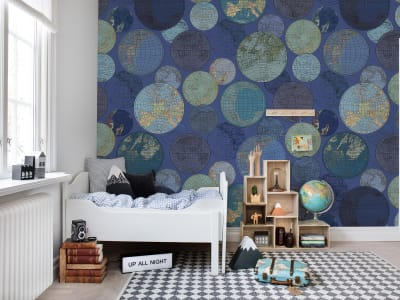 Mural de pared R13883 GLOBES GATHERING, BLUE imagen 1 por Rebel Walls