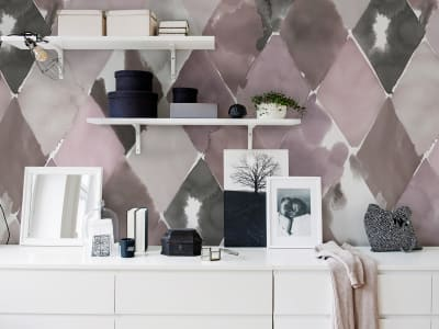 Tapet R15571 BIG HARLEQUIN, PLUM bilde 1 av Rebel Walls
