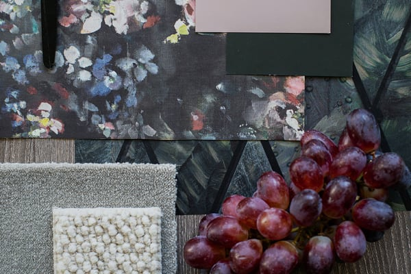 5 Ways to Personalize Your Office With Wallpaper