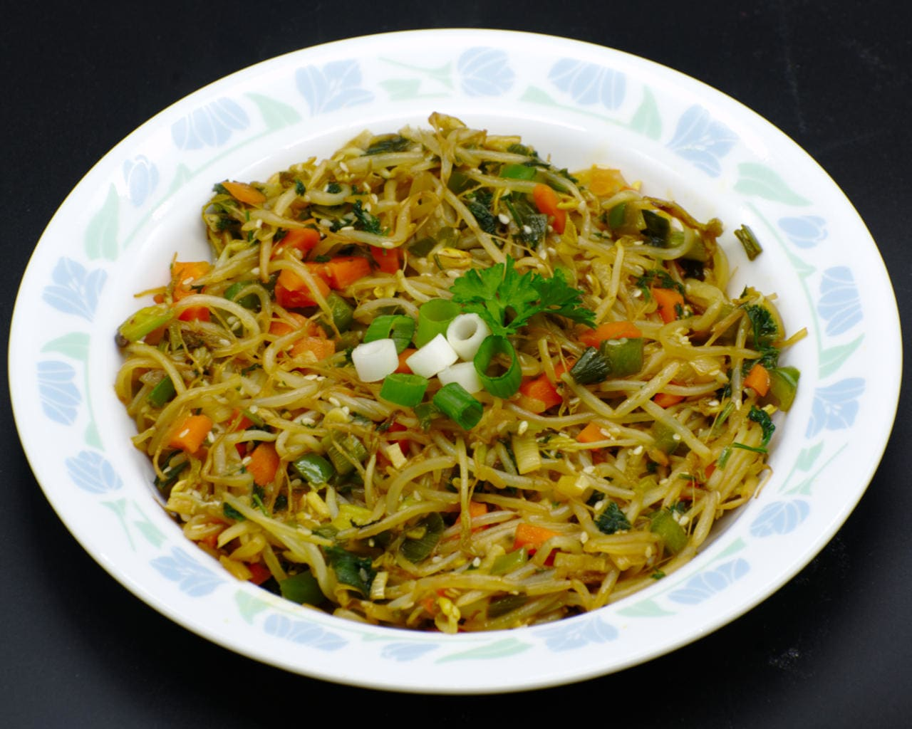 Bean-sprout and Sesame Salad Image