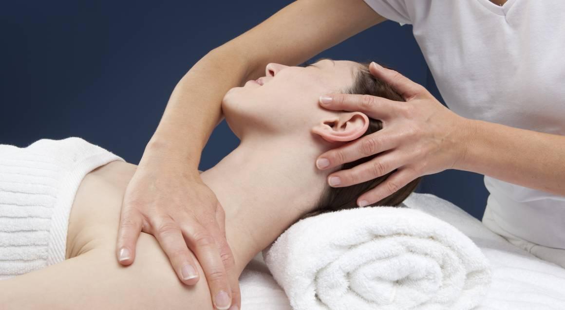 Shoulder, Foot Massage, Facial and Treatment - 75 Minutes