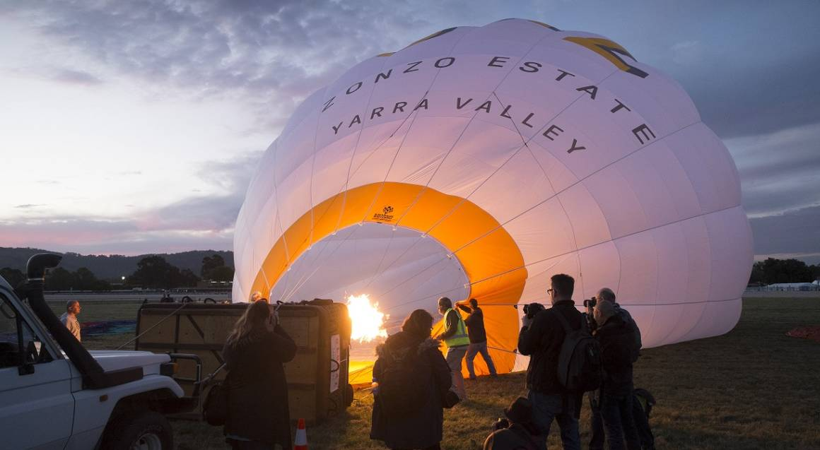 hot air balloon blowing up yarra valley