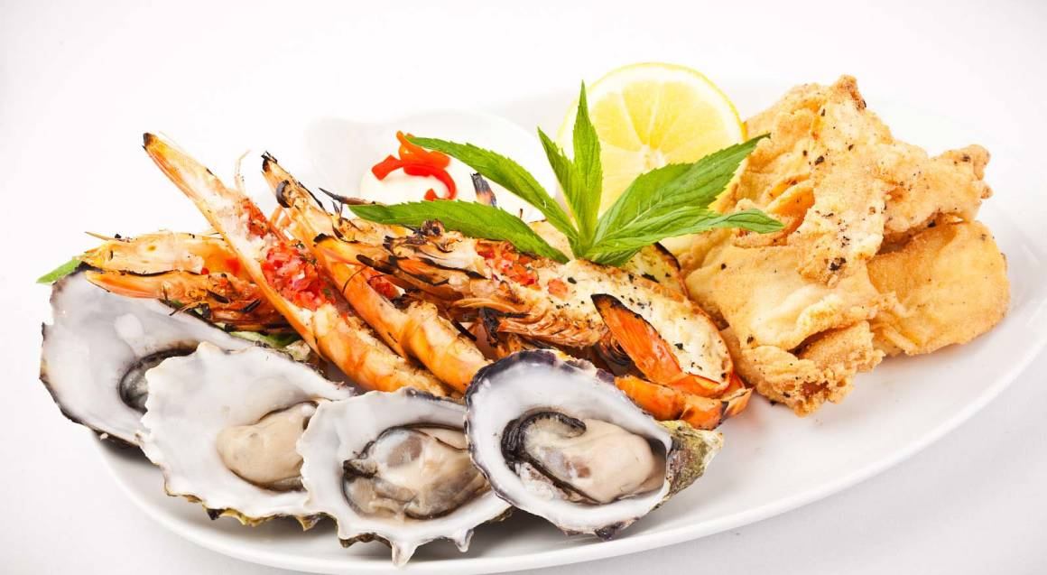 Middle Eastern Seafood Banquet with Dessert Platter - For 4