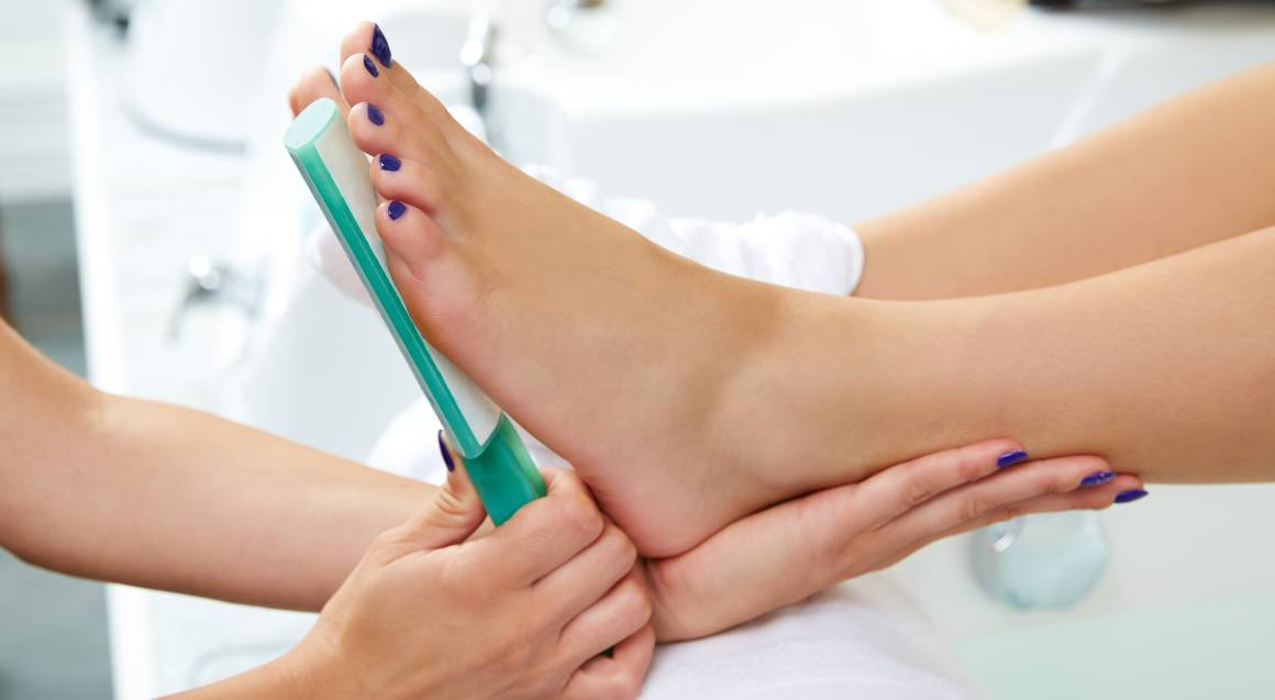 Pedicure and Foot Massage - 75 Minutes