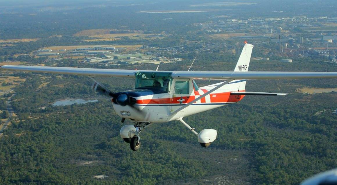 Hands-On Trial Flight With Aerobatics - 45 Minutes