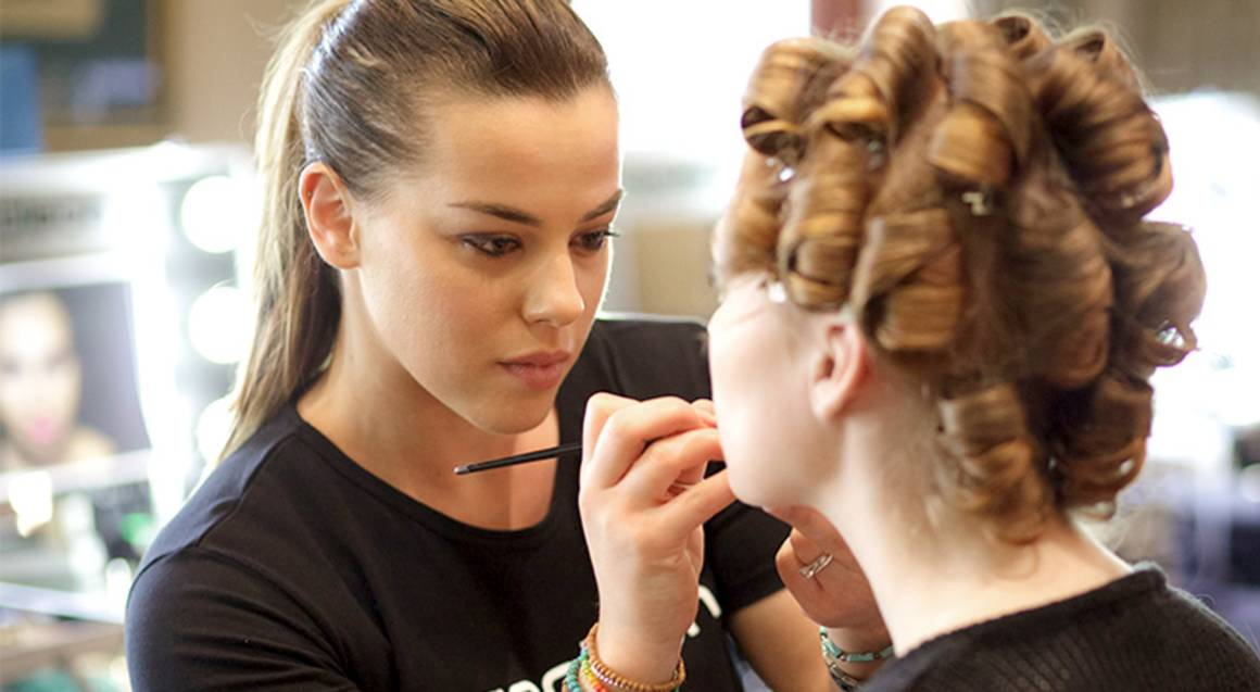 Makeup Lesson - Includes $149 Of Product - Brisbane