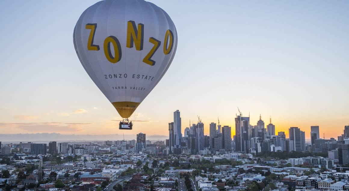 Hot Air Balloon Ride Over Melbourne with Breakfast