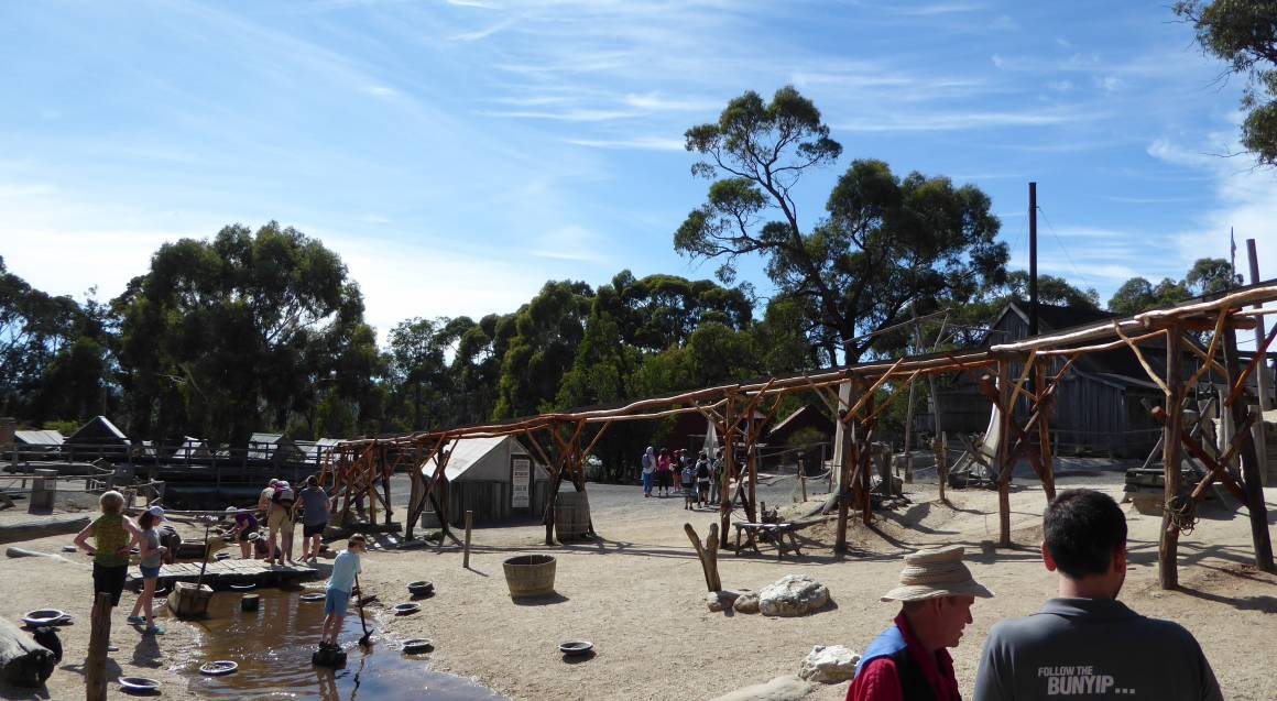 Daylesford and Sovereign Hill Colonial Tour - Child