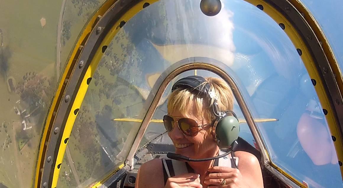 Intro Warbird Aerobatic Flight
