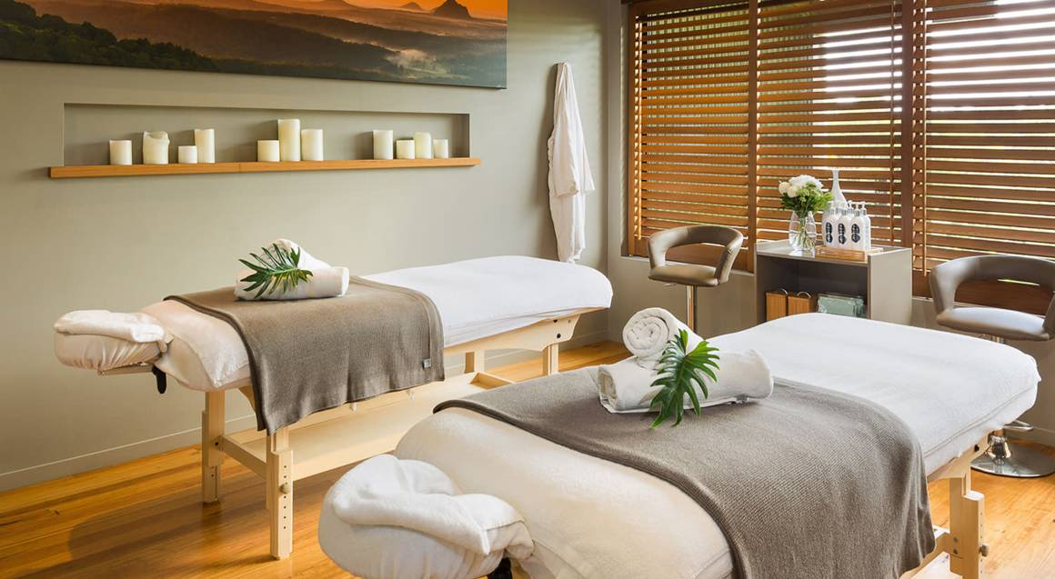 Full Body Massage, Facial, Reflexology and More - 3 Hours