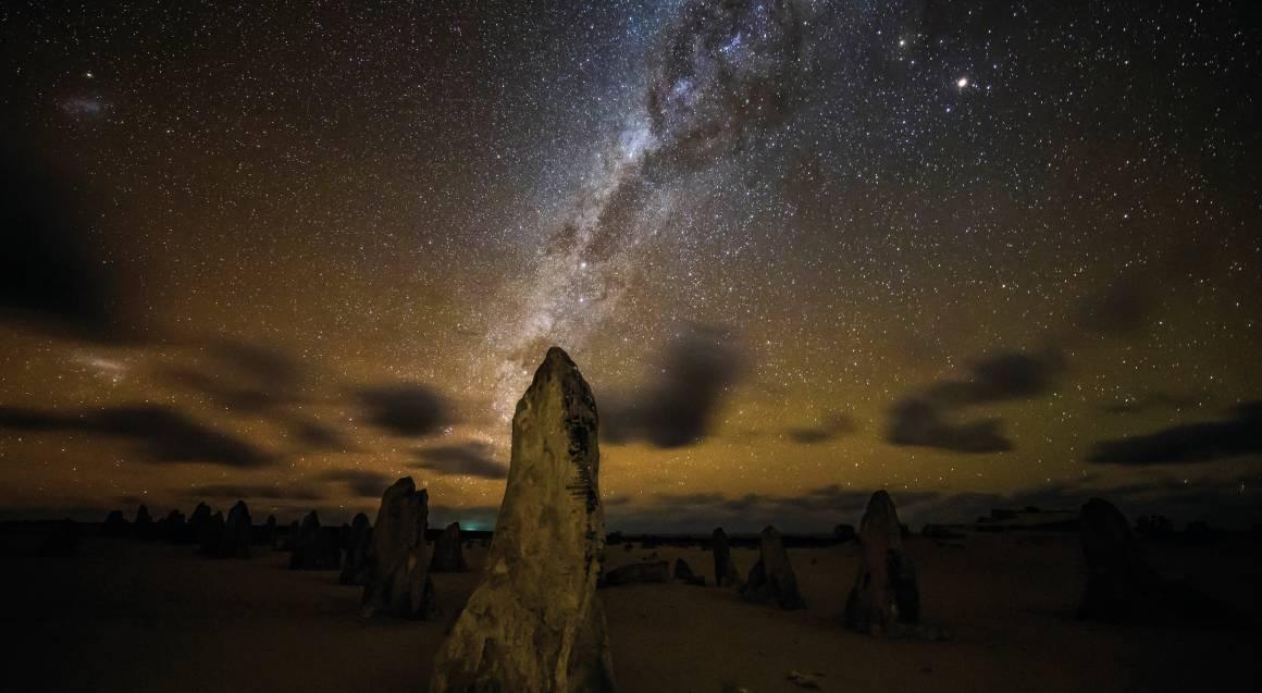 Pinnacles Stargazing, Sunset Dinner and Wildlife Tour