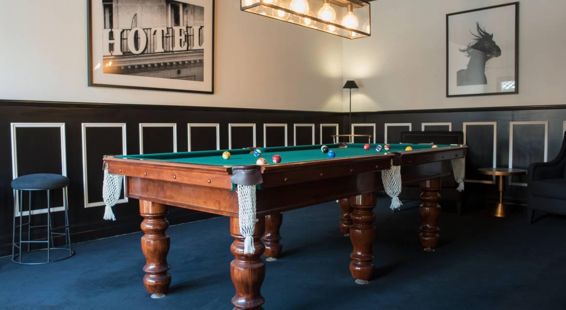 Berida Hotel bowral pool table room
