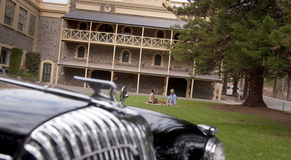 Barossa Daimler Tours couple enjoying picnic barossa valley