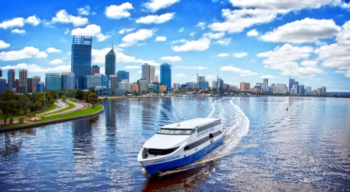 Fremantle Lunch Cruise and Tram Tour
