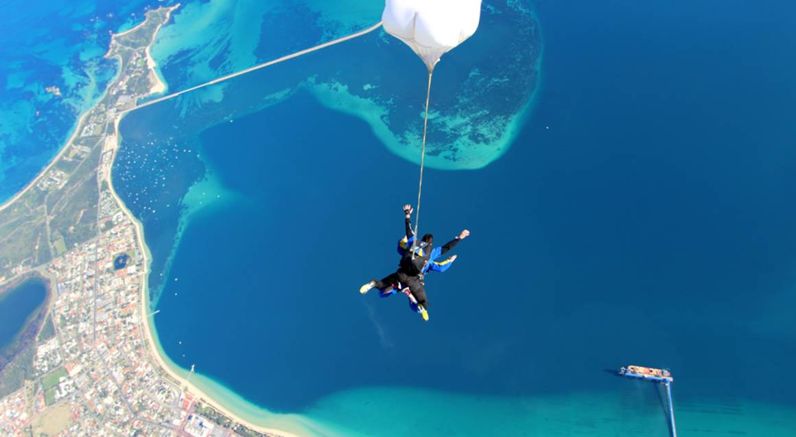 Skydive over Beach - 15,000ft - Weekend - Rockingham - For 2