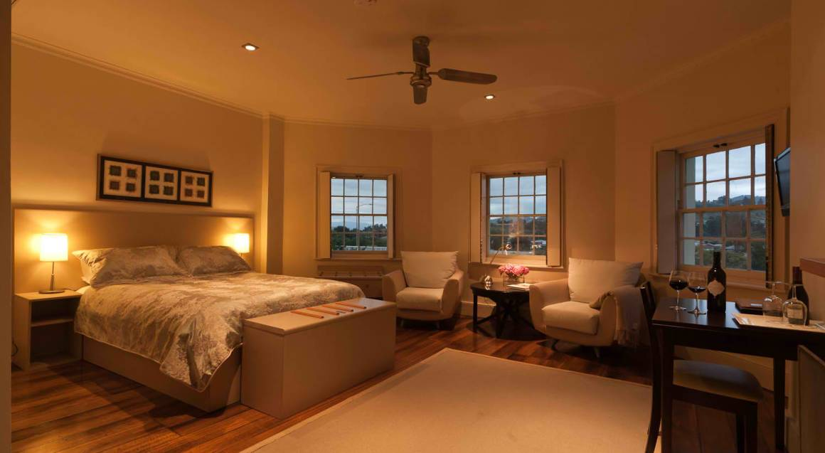 2 Night Luxury Hotel Stay with Breakfast and Dinner - For 2