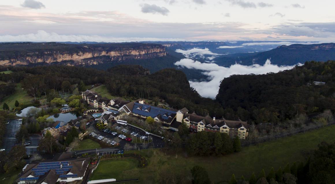 Blue Mountains 2 Night Weekend Escape with Breakfast - For 2