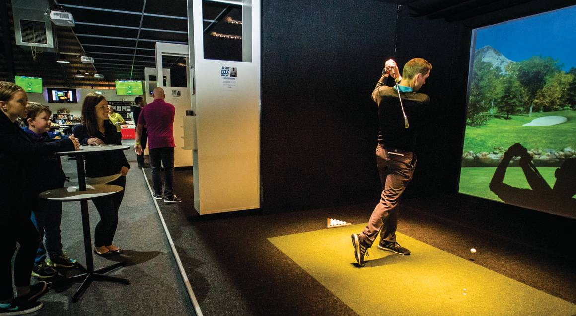 Realistic Golf Simulator - Stanmore - 3 Hours - For 4