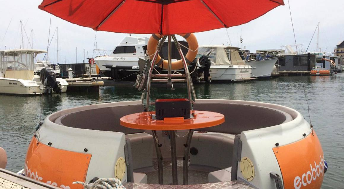 BBQ Boat 6-Seater Rental - 2 Hours