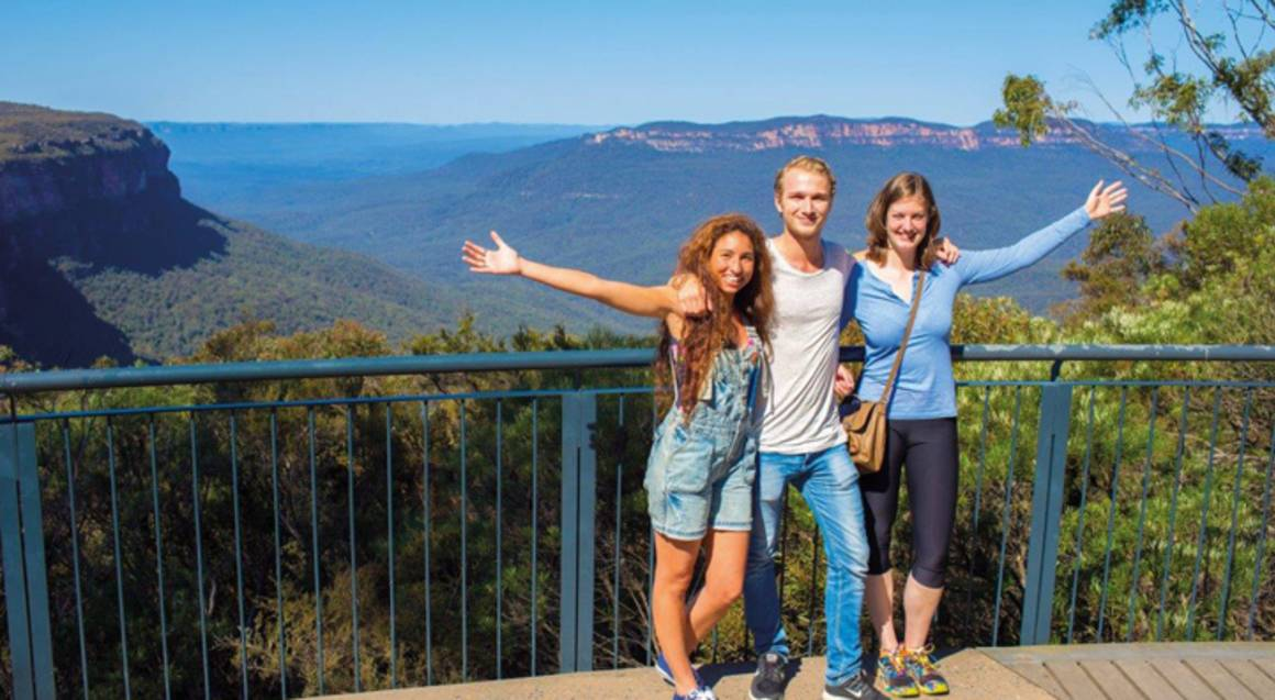Blue Mountains and Jenolan Caves Day Tour