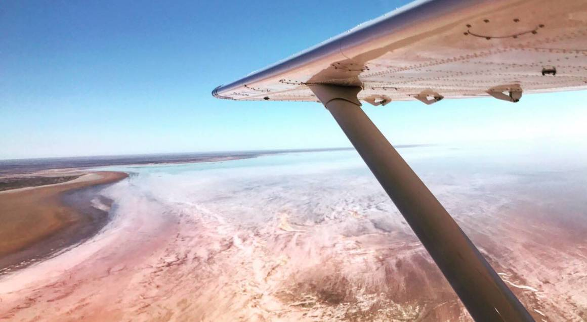 Lake Eyre and Painted Hills Flight - 2 Hours
