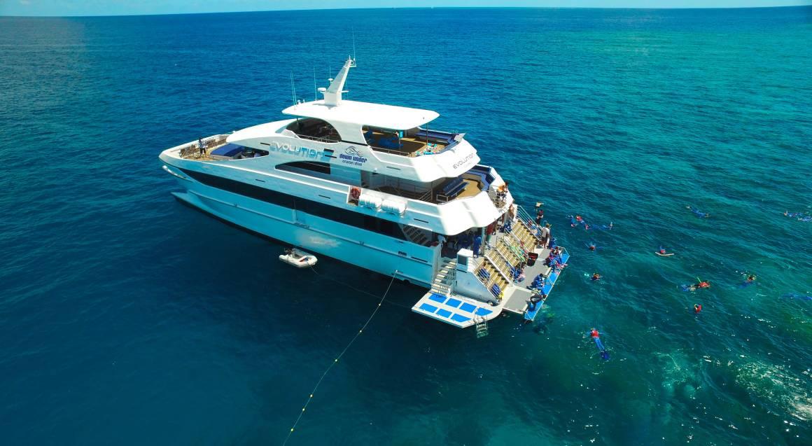 Great Barrier Reef Cruise, Dive, Snorkelling & Heli Flight