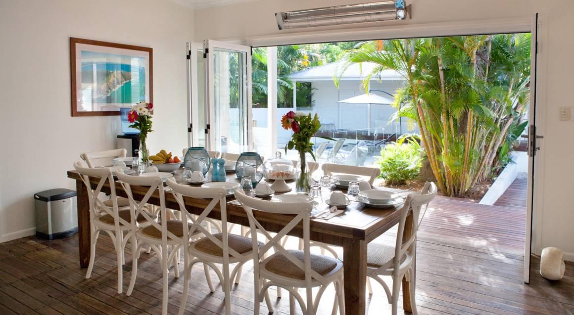 Byron Cove Beach House dining breakfast room