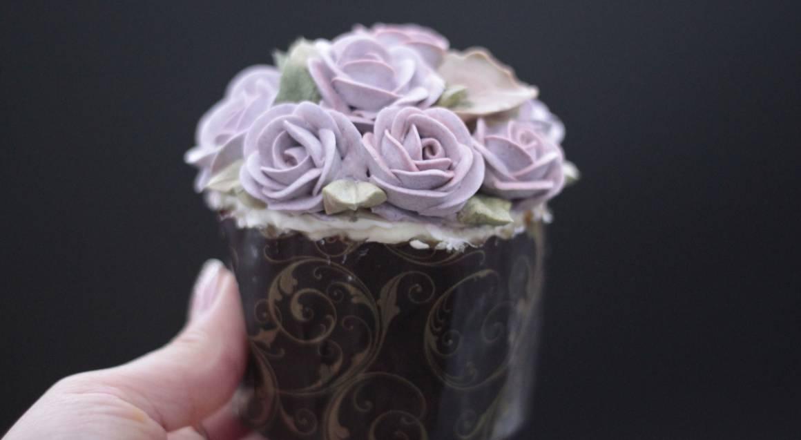 lilac sugar flower cupcake