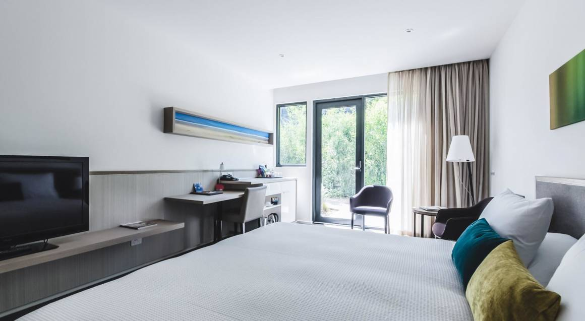 Overnight Weekend Getaway with Breakfast and Golf - For 2