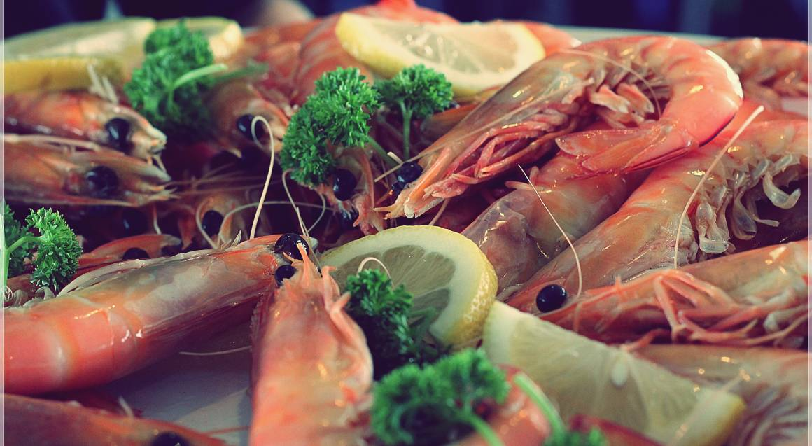 Seafood Brunch Cruise with Champagne - For 2